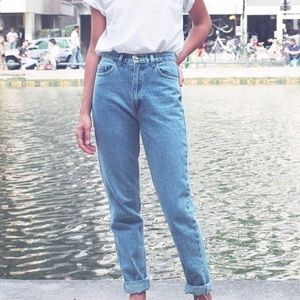 High-waisted American Apparel jeans!